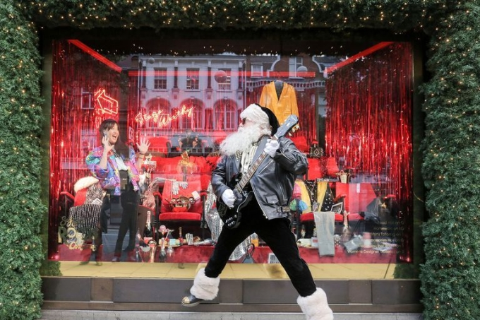 selfridges-christmas-windowsn-1539863270.jpg